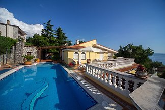 Villa Istrien mit Pool in Kostrena