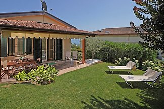 Villa Daniela with private garden