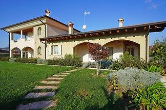 Villa Serraglie mit Pool und Wlan