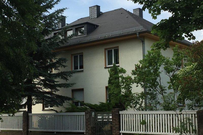 Unser Haus von der Straßenseite gesehen