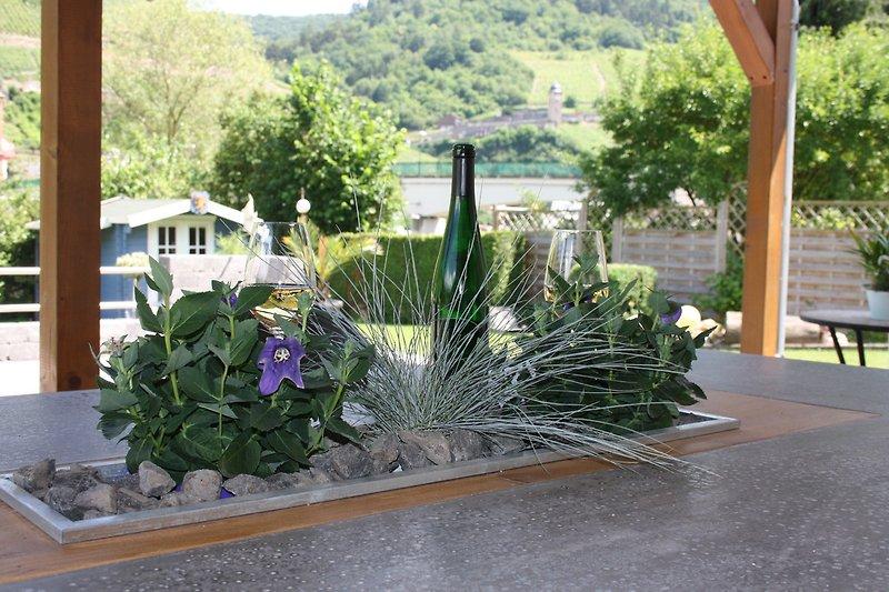 begrünter Gartentisch