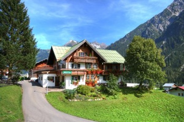 Bödmerhof in Mittelberg - immagine 1