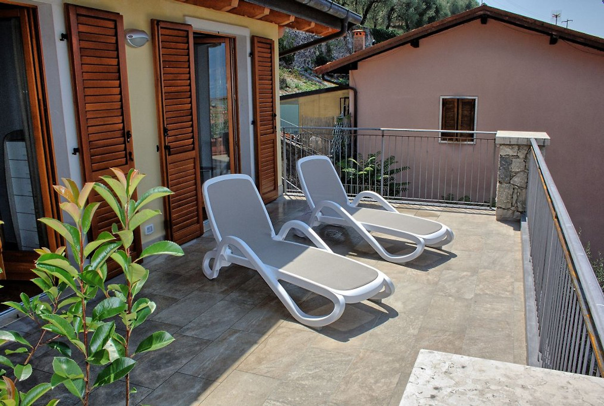 villa alessia 7 pers traumblick ferienhaus in brenzone mieten. Black Bedroom Furniture Sets. Home Design Ideas