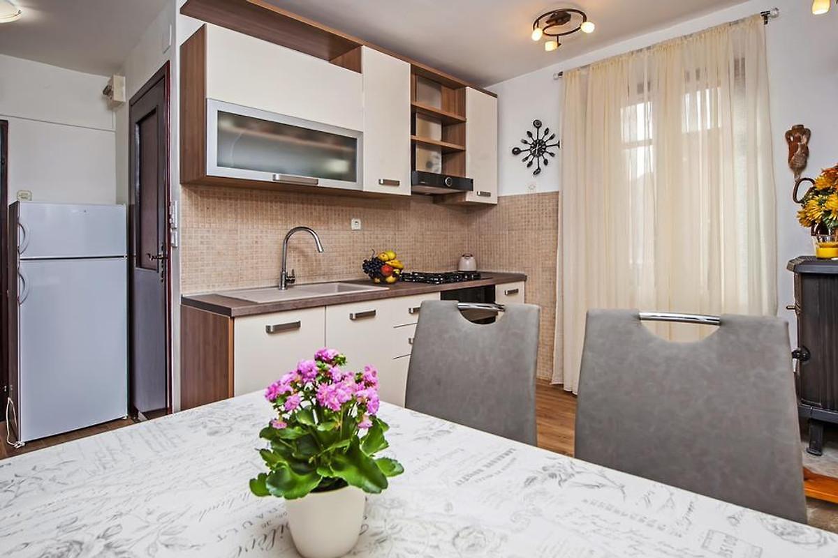 vista mare ferienwohnung in rovinj mieten. Black Bedroom Furniture Sets. Home Design Ideas