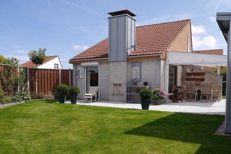 Villa Sonnendeck mit sonnigem Garten