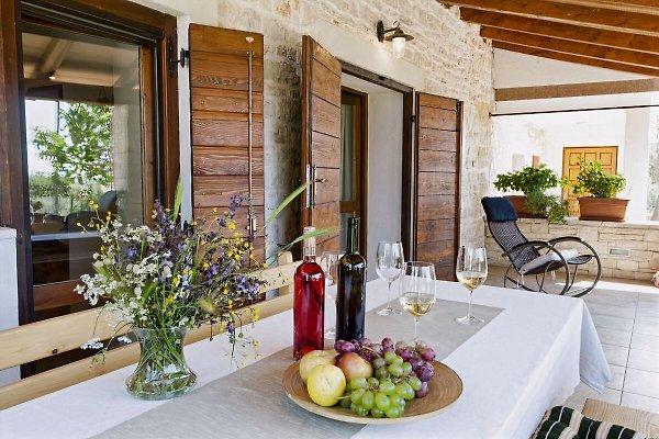 Villa Ana, cerca de Rovinj y Bale en Bale - imágen 1