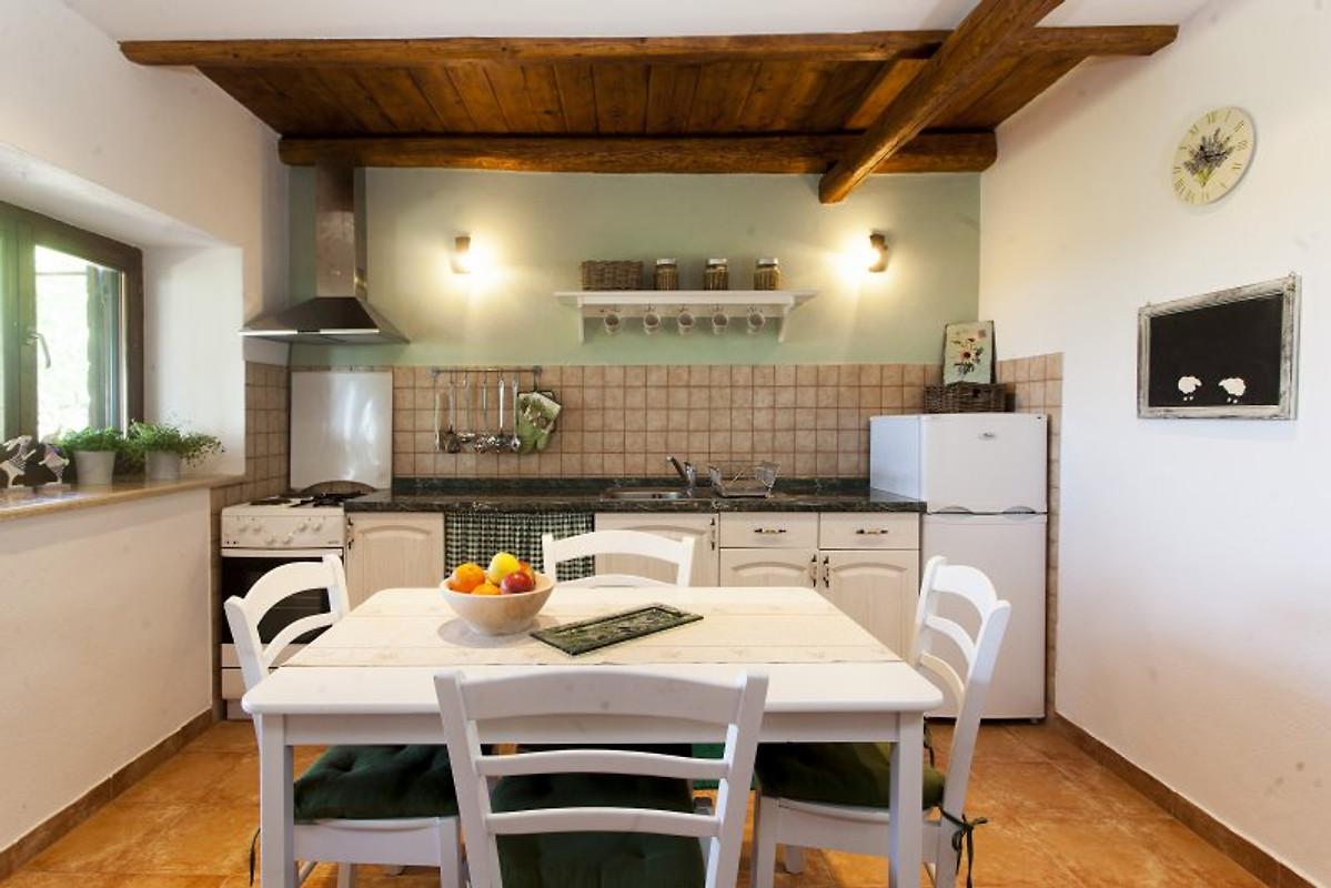 villa ana in der n he von rovinj bale ferienhaus in. Black Bedroom Furniture Sets. Home Design Ideas