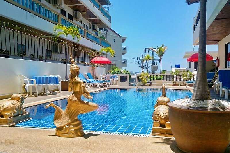 Blue Sky Residence in Patong - immagine 2