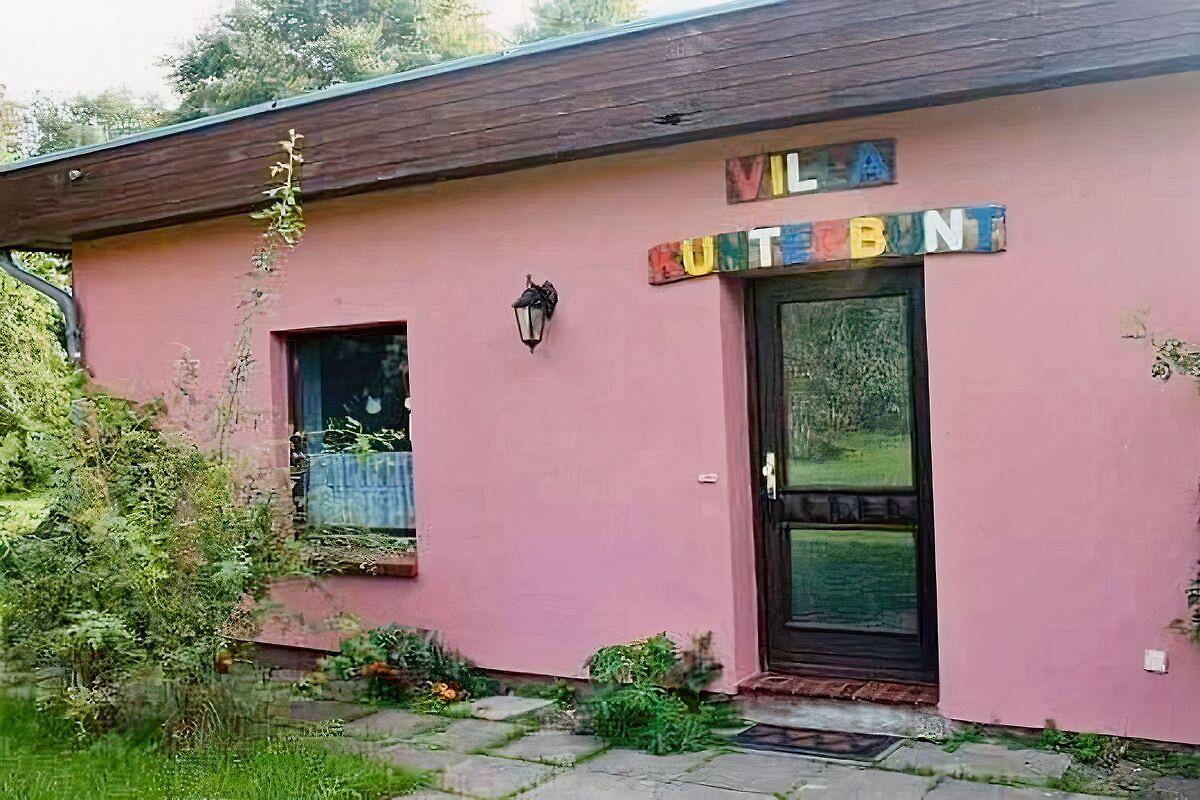 villa kunterbunt ostsee ferienwohnung in land neustadt mieten. Black Bedroom Furniture Sets. Home Design Ideas