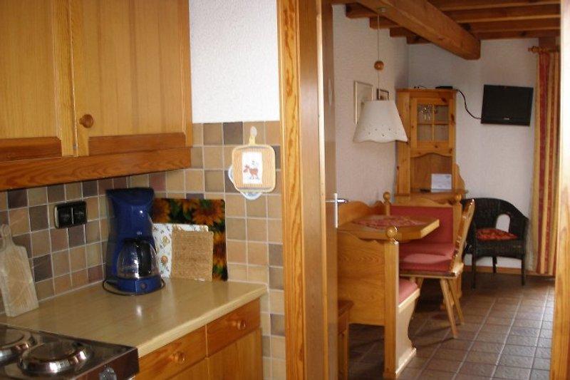 Blick von der Küche in den Wohn/Schlafraum