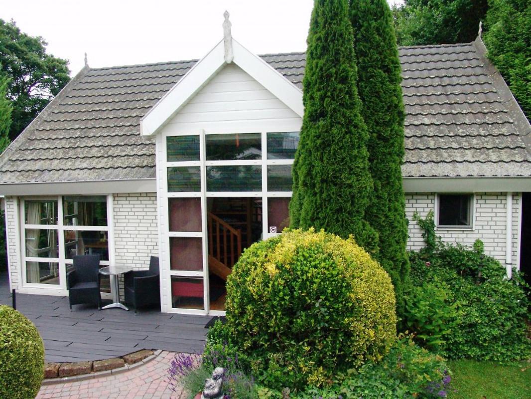 luxe villa royal bei arnheim lathum ferienhaus in lathum mieten. Black Bedroom Furniture Sets. Home Design Ideas