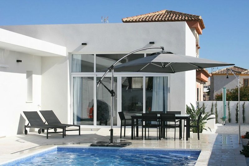 sechs Personen Villa mit modernem Design