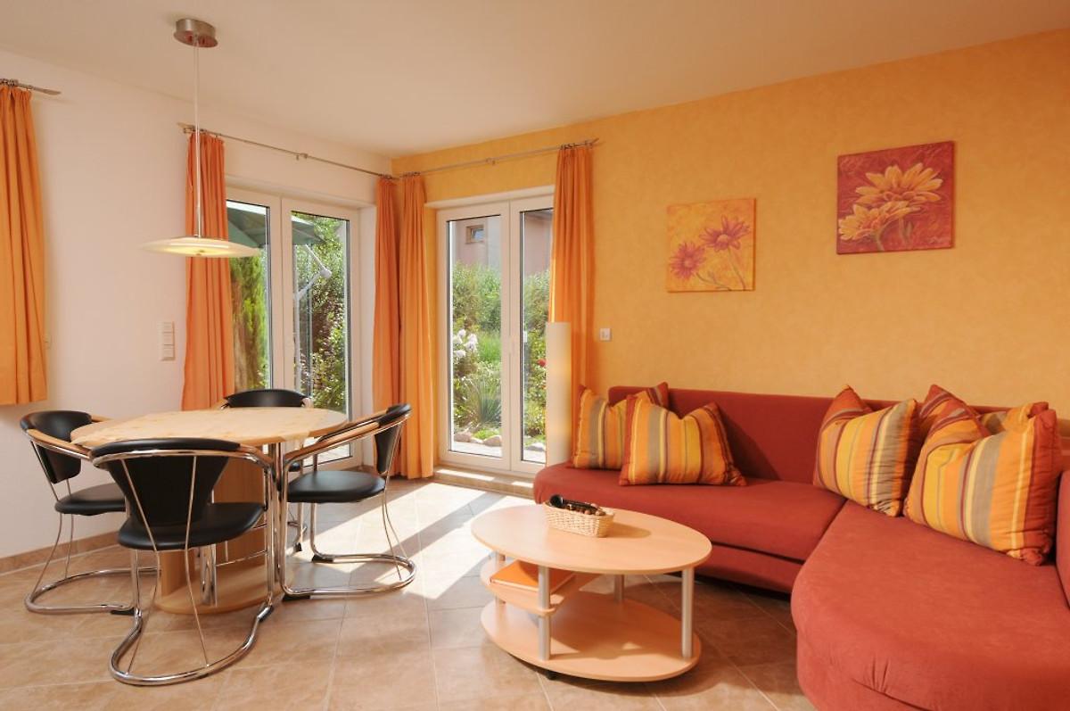 apartament fewo am nussbaum apartament w ahrensfelde. Black Bedroom Furniture Sets. Home Design Ideas
