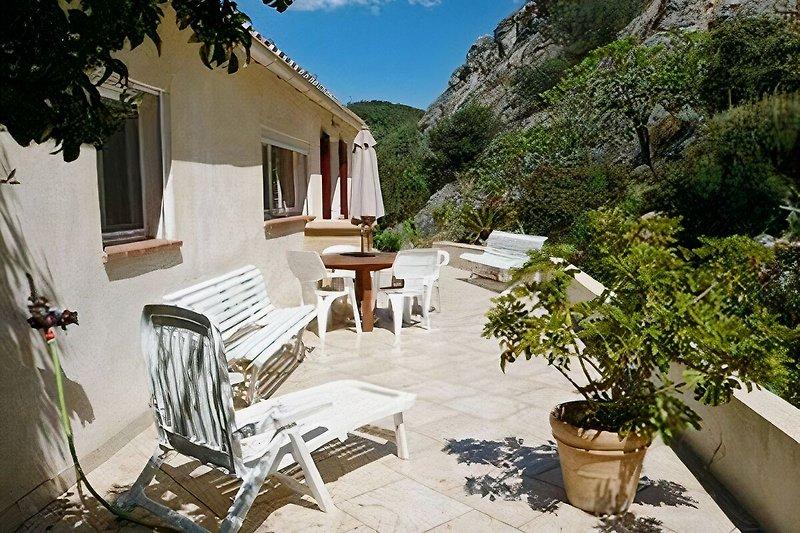Villa appartamento con giardino in Hyères - immagine 2
