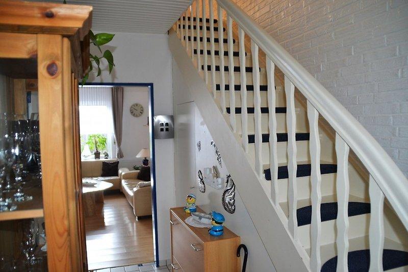 Eingang-Treppe OG