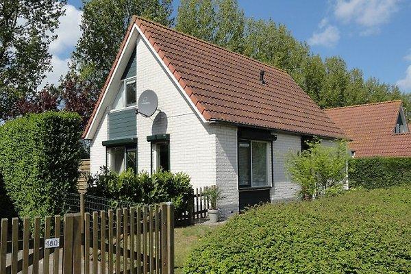 Hermosa casa de la familia en Breskens - imágen 1