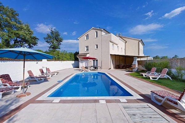 Villa August.M en Cere - imágen 1