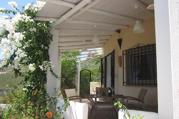 Casa Almendro in Archez - immagine 1