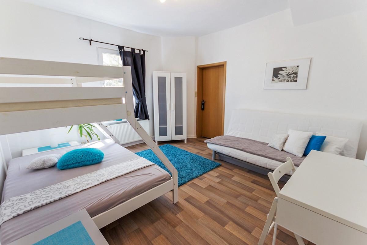 Ferienwohnung moselblick bernkastel ferienwohnung in bernkastel kues mieten - Schlafzimmer ausstattung ...