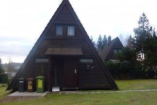 gemütl. Nurdach-Ferienhaus am See