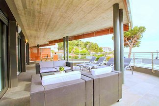 Moderne Ferienwohnung mit Meerblick für 6 Personen, 2 Schlafzimmern, Terrasse, Gemeinschaftpool