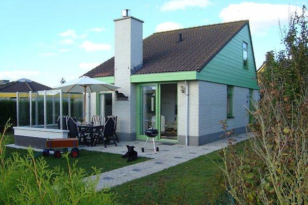 holiday home in Julianadorp aan Zee - picture 1