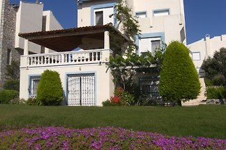 Seaside nice rental apart in cesme
