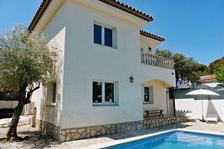 Großzügiges Haus mit Pool ( Poolheizung mietbar ! ) für 9 Personen mit Klimaanlage und allem Komfort  ausgestattet, auf einem vollständig abgeschlossenen Grundstück mit 440 qm !