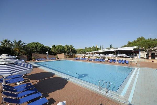 Holiday Park Resort Etruschi 6 pers en San Vincenzo - imágen 1