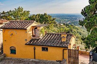 Casa Belvedere in posizione panoramica