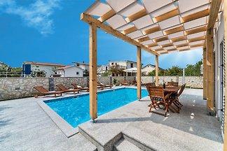 VILLA CASA NOVA-mit Pool