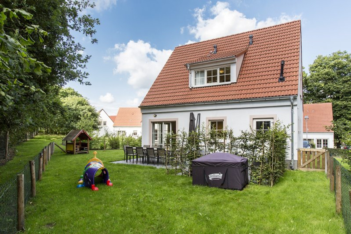 villa kunterbunt privat sauna ferienhaus in bad. Black Bedroom Furniture Sets. Home Design Ideas