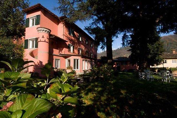 Villa privada con piscina 8 + 2persons en Bagni di Lucca - imágen 1