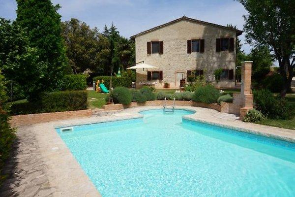 Maison de campagne avec piscine (15 + 3 enfants) à Colle di Val d'Elsa - Image 1