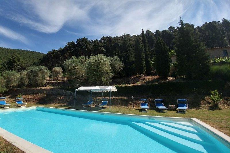 Maison pour 8 personnes avec piscine à Buti - Image 2