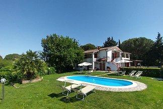 Villa near Pisa (8+1 beds)