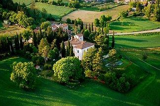 Historische Villa mit eigenem Pool