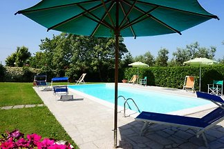 Villa with private pool (6 + 2 children)