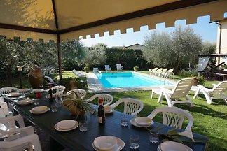 Ferienhaus mit Pool bei Lucca