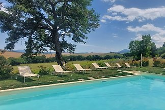 Country house in Montalcino with pool