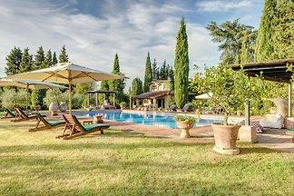Villa con piscina cerca de Florencia