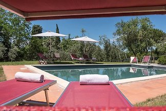 Villa and pool for sole use
