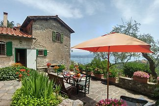 Country house with sea view (8 persons)