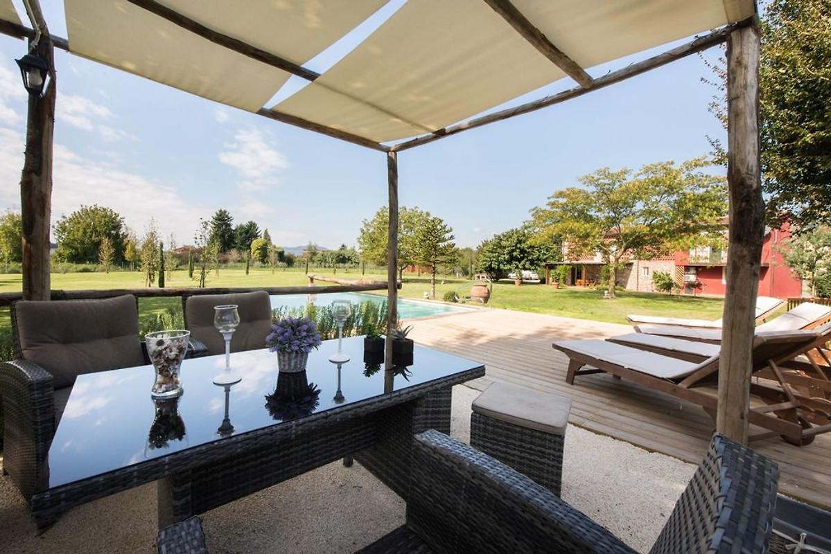 Villa lucca avec piscine priv e maison de vacances for Villa de vacances avec piscine privee