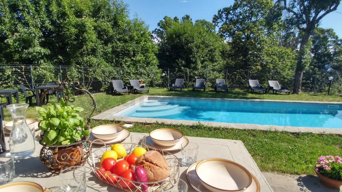 Maison de campagne pour 14 personnes avec piscine maison for Piscine 15eme