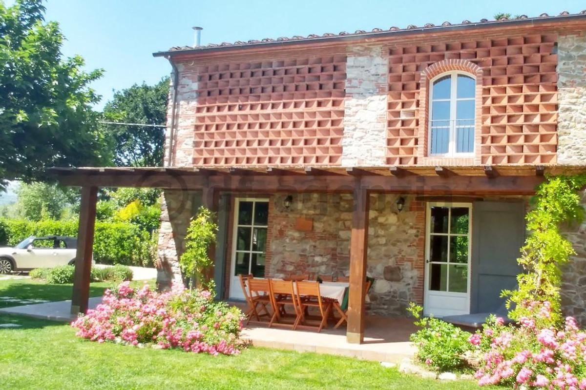 Villa lucca avec piscine priv e maison de vacances for Villa a louer avec piscine privee