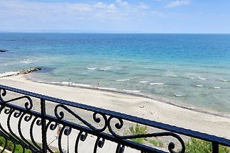 Sea&Lake view Beachfront 2BDR Apt
