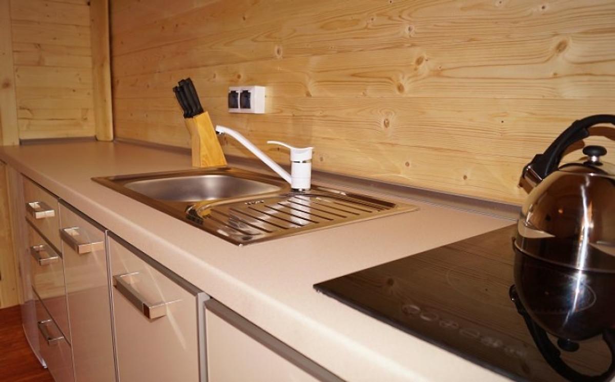 Ville con due camere da letto casa vacanze in mielno for Casa con due camere da letto