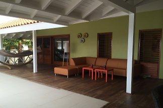 Geräumige 4-Schlafzimmer-Villa an der Küste von Curacao mit Pool und Meer Terrasse über dem Meer an bester Lage innerhalb der in Boca Gentil Resort auf Jan Thiel