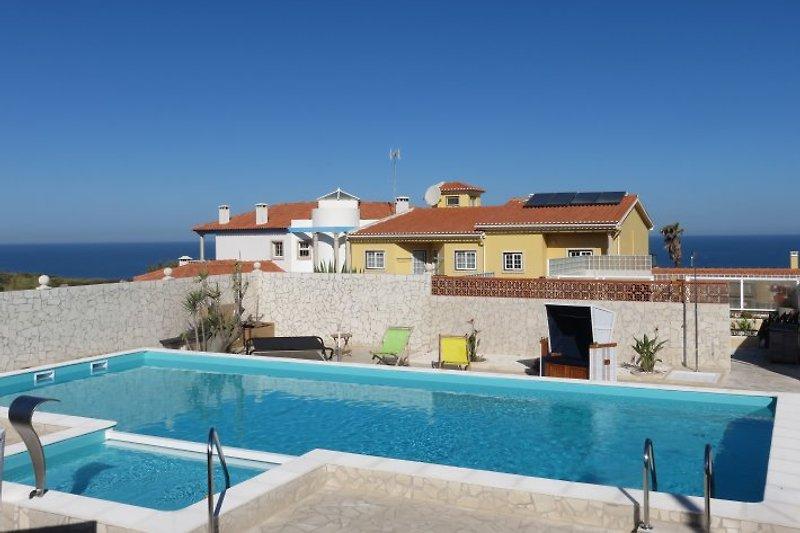 Die phantastische Pool-Landschaft der Casa da Mina
